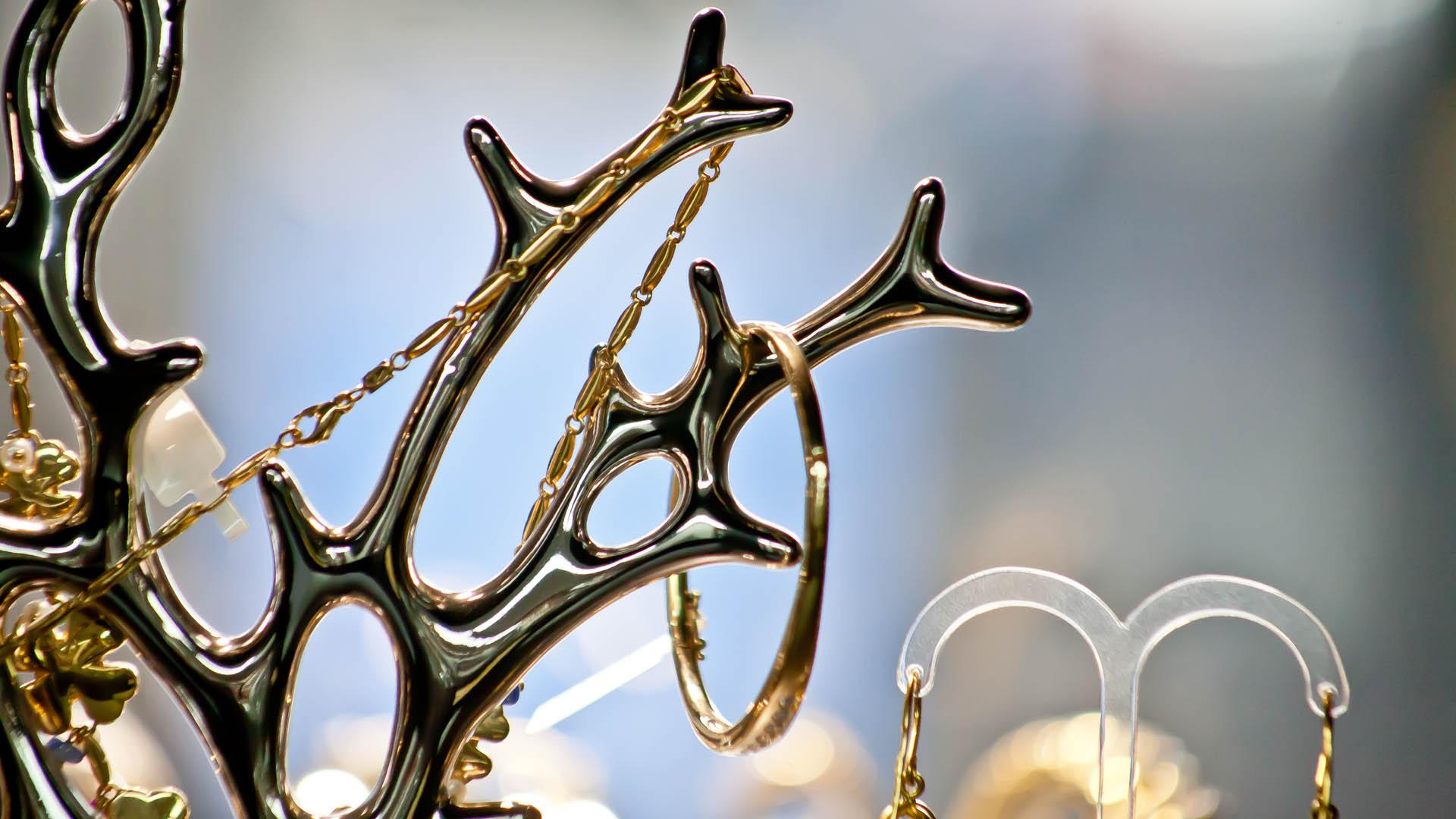 Goldkettchen beim Juwelier Käfer aus München am Hauptbahnhof